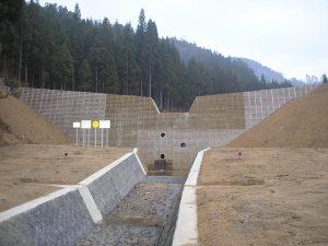 木製残存型枠 山形県 瀬戸の沢砂防えん堤