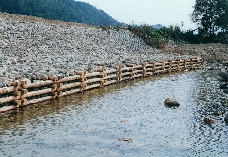 【単体型(曲線施工)】 [2.0m×2.0m×各層] 山形県 丹生川
