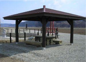 【四阿】 沼のある休憩所 山形県 鮭川村