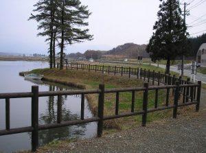 【木製安全柵】 野々村地区ため池