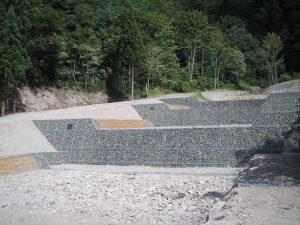 木製残存型枠パネル 木製流路工 戸萩沢治山
