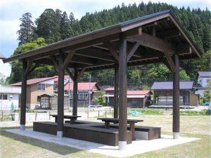 【四阿】番樂ステージ テーブルを外しベンチ部分をステージに活用できる 山形県 釜渕悠愛公園