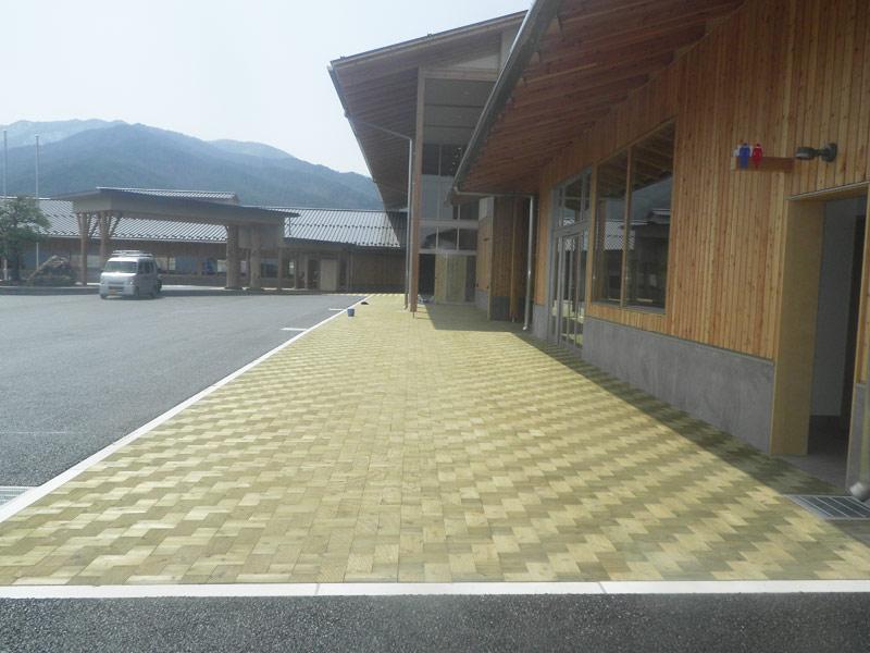 【木レンガ】 長野 朝日村役場庁舎 ウッドロック